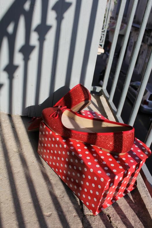 chaussures rouges paillettes